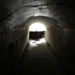真っ暗トンネル