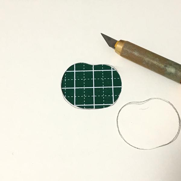 描いたリンゴを切り取る