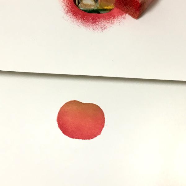 型紙を外すと、しっかりリンゴの形になっています。