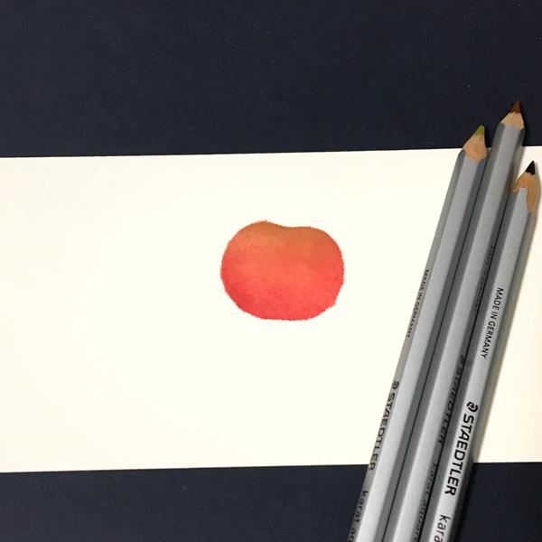 あとは、色鉛筆でヘタを描きます。